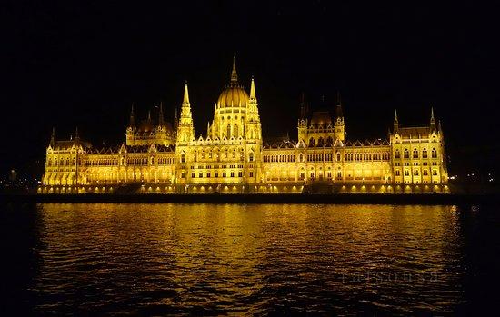 parlamento-hungaro.jpg
